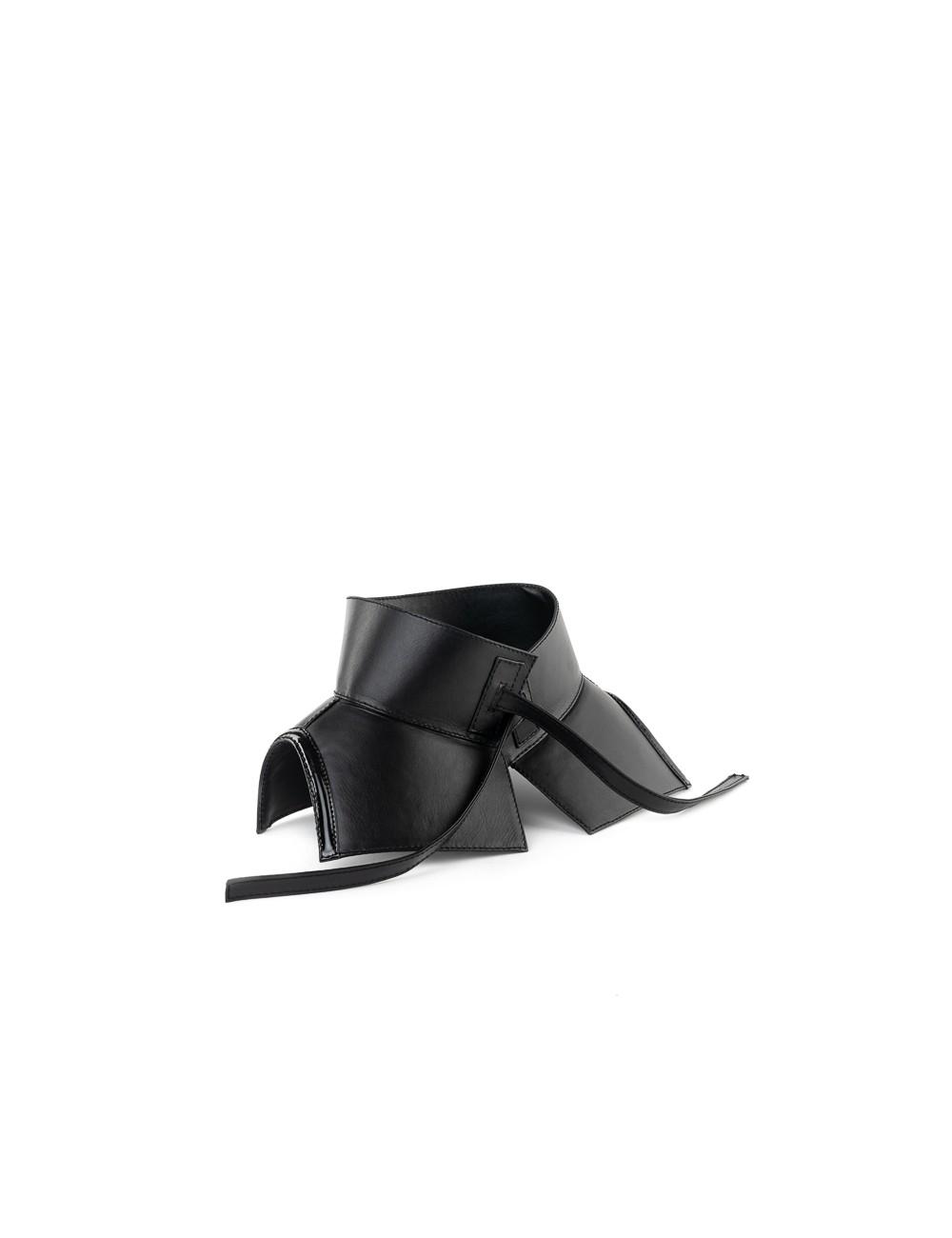 Corset Belt (shiny leather stripe )